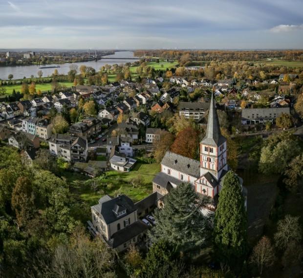 Kirche in Schwarz-Rheindorf