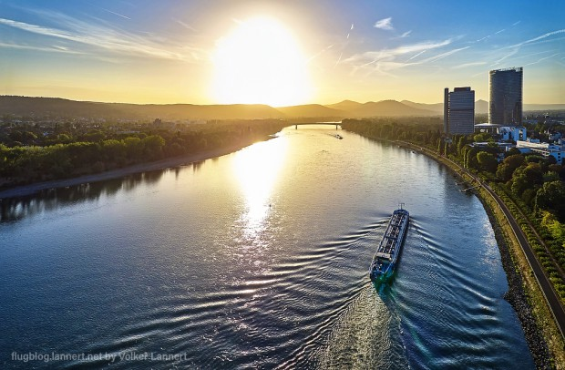 Sonnenaufgang am Bonner Rheinufer am 23.09.2016