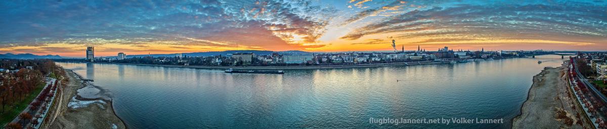 Sonnenuntergang am Rhein am 18.01.2017
